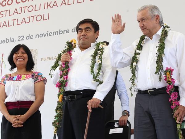 Apoyos sin intermediarios a comunidades indígenas, garantiza López Obrador en Puebla