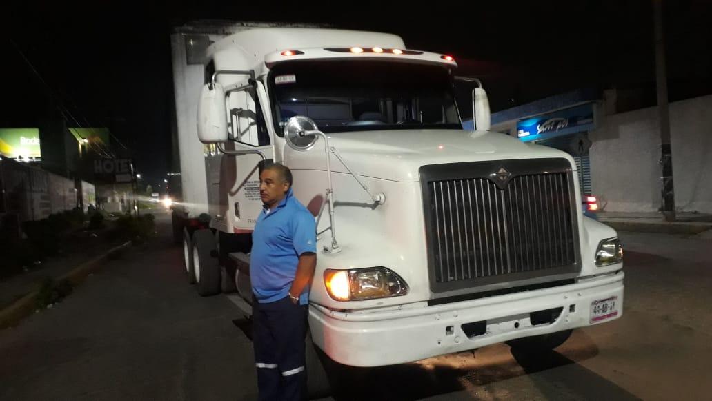 Recuperan camión asaltado en Río Frío