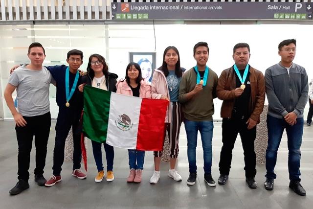 """Estudiantes de la Preparatoria Regional """"Enrique Cabrera Barroso"""",Participarán en elRobochallenge International Robotics Competition 2020"""