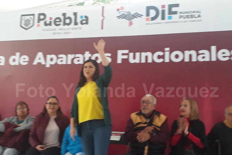 Ayuntamiento de Puebla entrega a 202 personas aparatos Funcionales