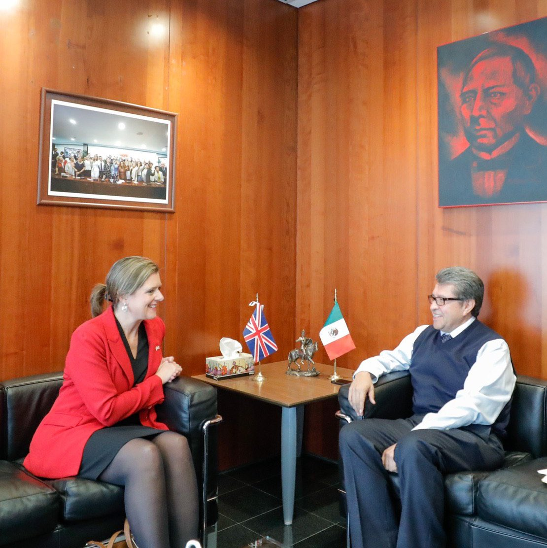 el Diputado Ricardo Monreal Celebro la reunión con Corin Robertson embajadora de Reino Unido