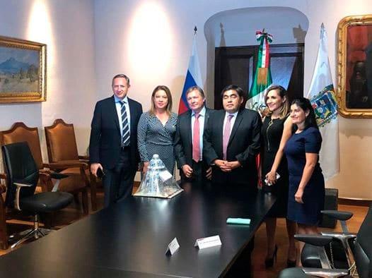 Diputada Nelly Maceda y el Gobernador Miguel Barbosa