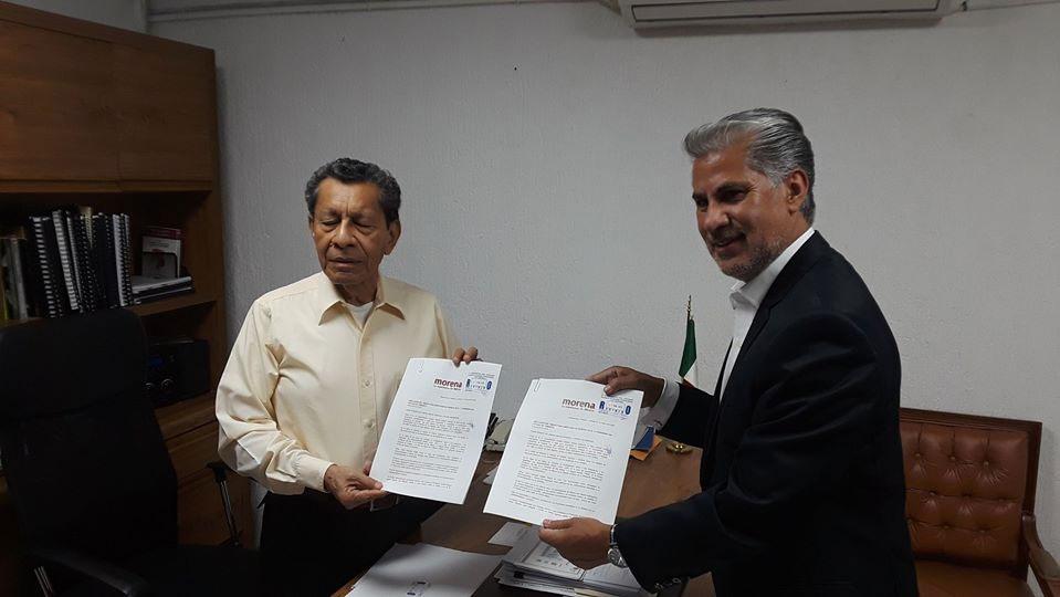 Entrega Formal de Iniciativa ante el Lic. Gilberto Mendoza Rodriguez, Secretario de Asuntos Parlamentarios del Congreso