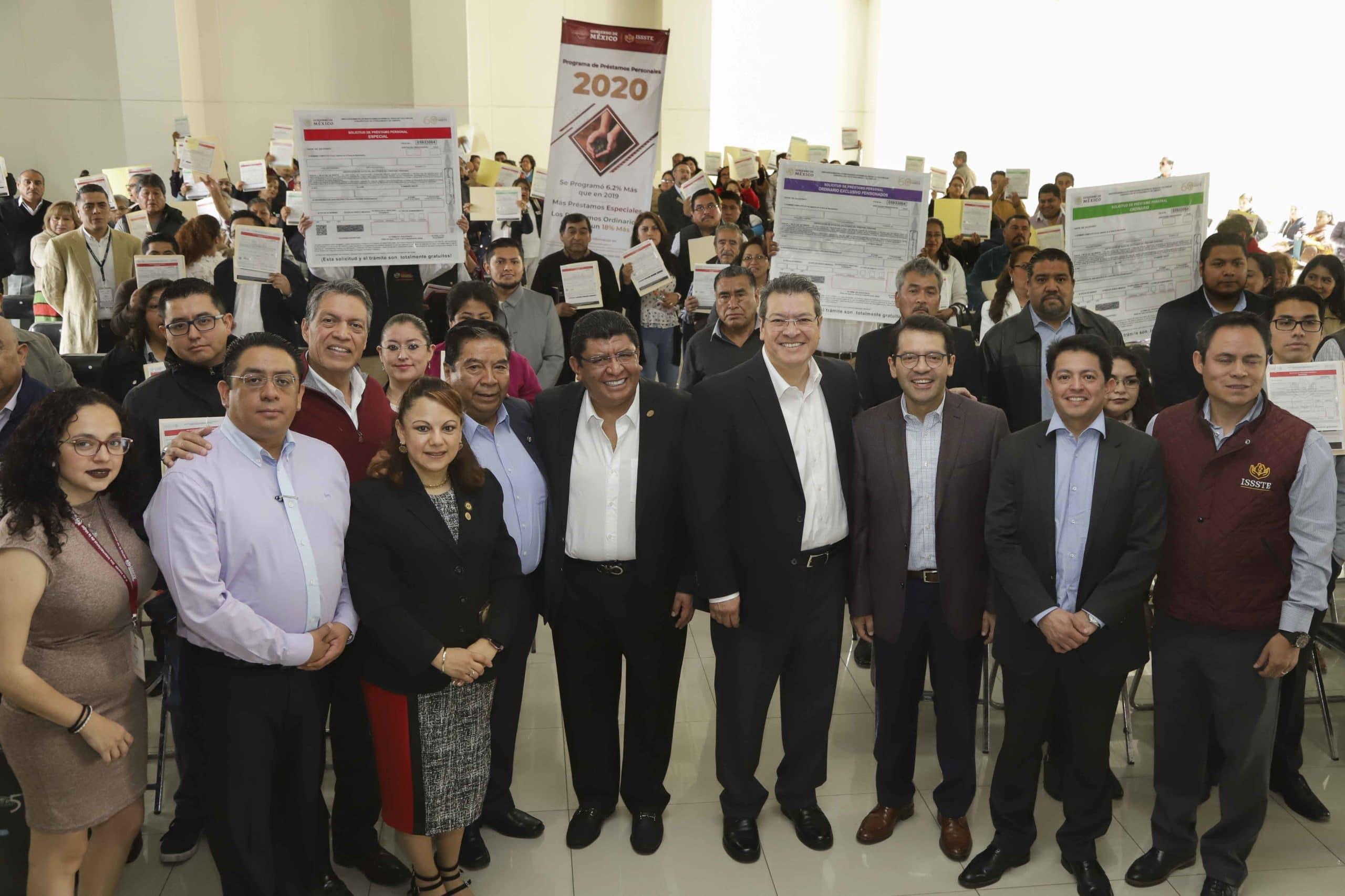 Marco Mena encabeza entrega de apoyos del programa Préstamos Personales 2020 del ISSSTE