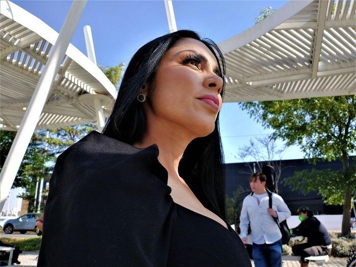 """La actriz, conductora y modelo guatemalteca Karla Baso protagoniza el video de la canción """"Voy a conquistarte"""