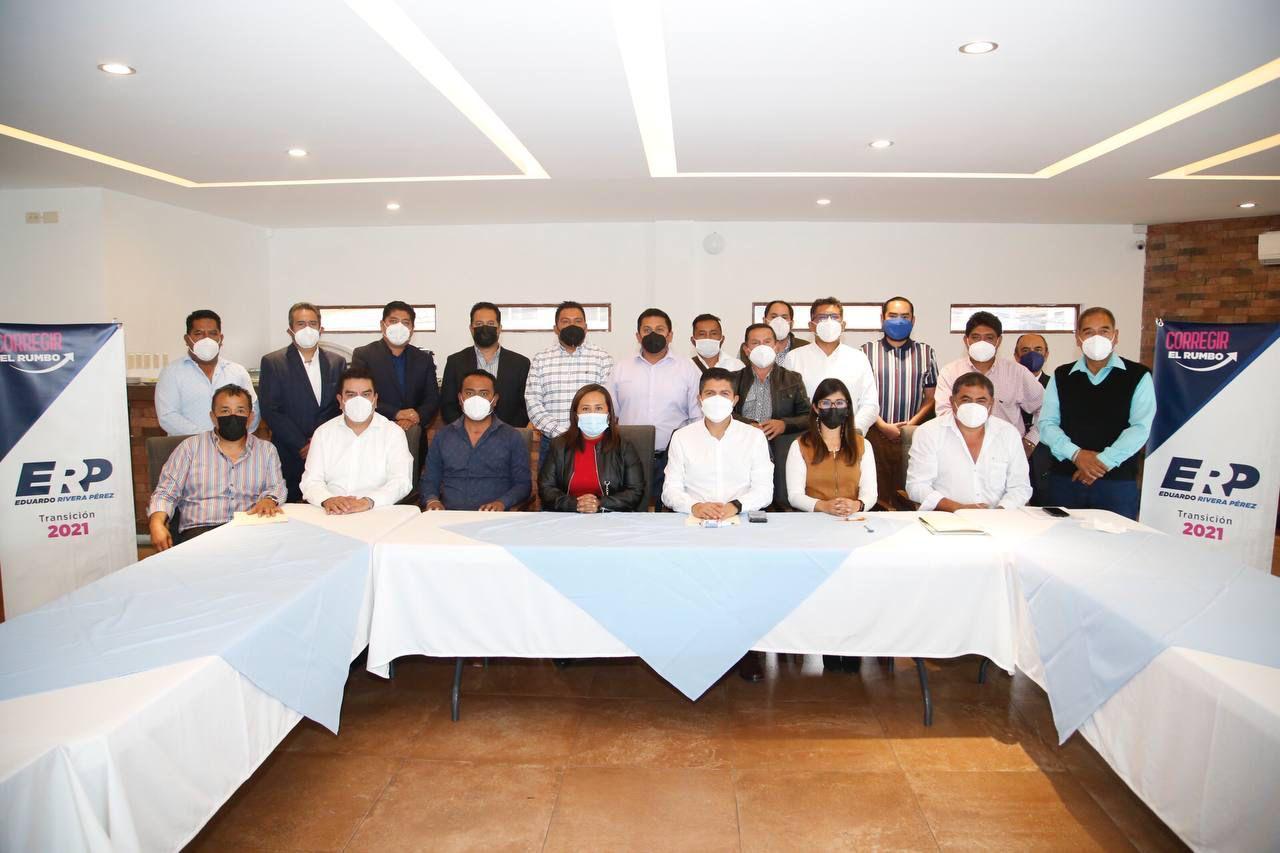 EDUARDO RIVERA PÉREZ SE REÚNE CON PRESIDENTES AUXILIARES DEL MUNICIPIO DE PUEBLA