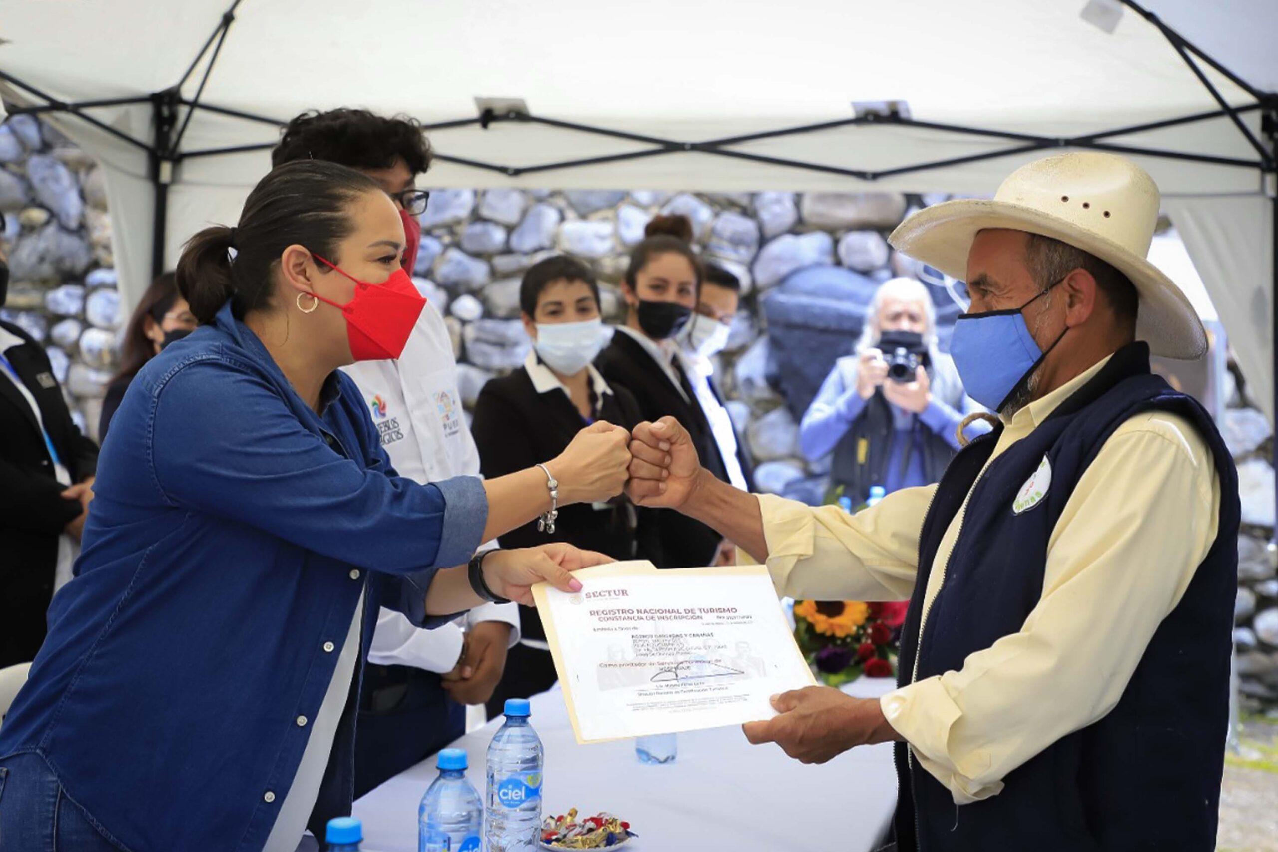 Reconoce Turismo trabajo de Tetela para obtener denominación de Pueblo Mágico