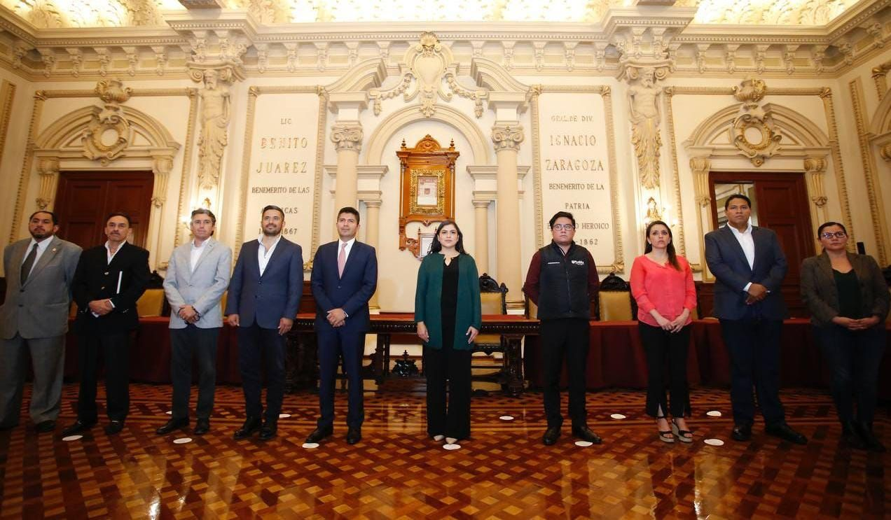 EDUARDO RIVERA PÉREZ Y CLAUDIA RIVERA VIVANCO ENCABEZAN ÚLTIMA MESA TEMÁTICA DE TRANSICIÓN